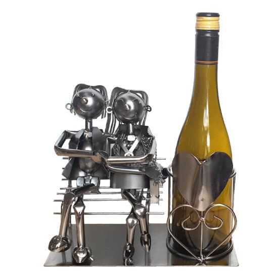 Szerelmespár fém bortartó