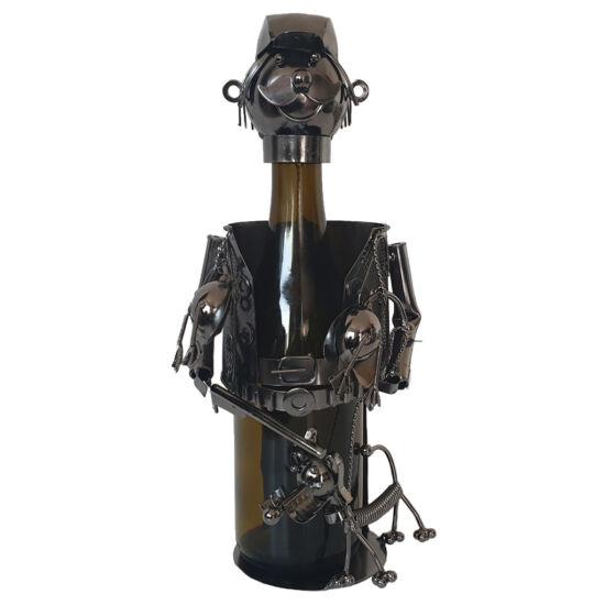 Vadász fém bortartó
